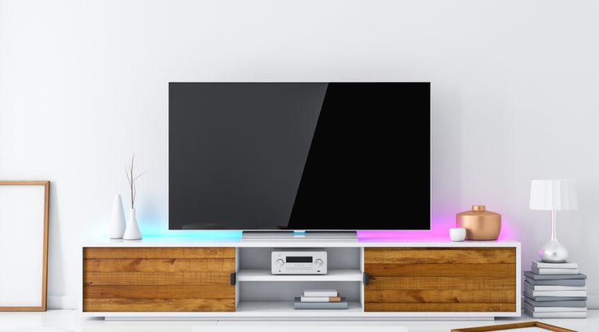 La table de TV idéale pour une pièce de vie de style vintage ?