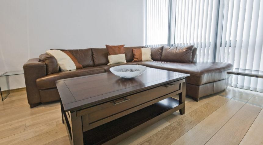 Égayer son salon avec des meubles en bois massifs contemporains et exotiques