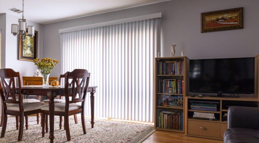 Quelle table TV choisir : le bois ou le verre ?